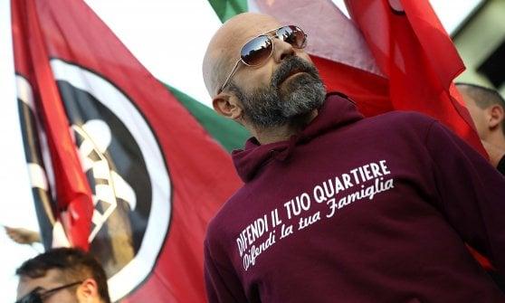 Roma, Casapound e movimenti casa manifestano all'ex fabbrica della penicillina
