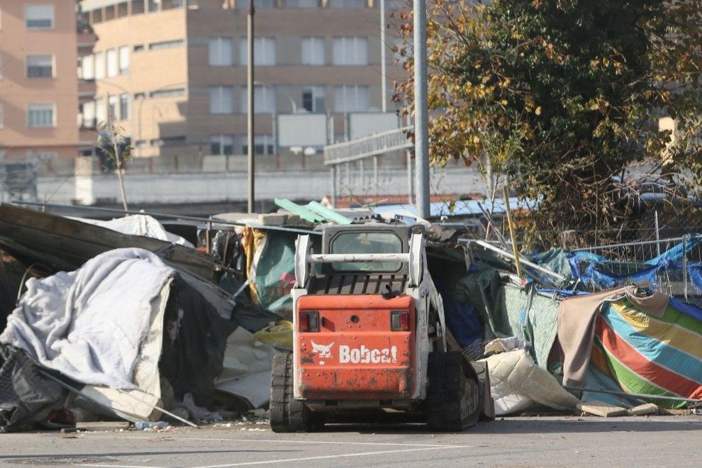 Roma sgomberato il presidio umanitario di baobab for Interno 5 b b roma