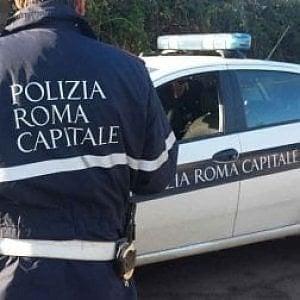 Roma, incidente sull'A1, scontro tra tre auto: ferita una donna incinta soccorsa con l'eliambulanza