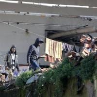 Roma, i migranti dell'ex fabbrica penicillina: