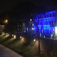 Roma, il Fatebenefratelli all' Isola Tiberina si illumina di blu per la Giornata mondiale del diabete