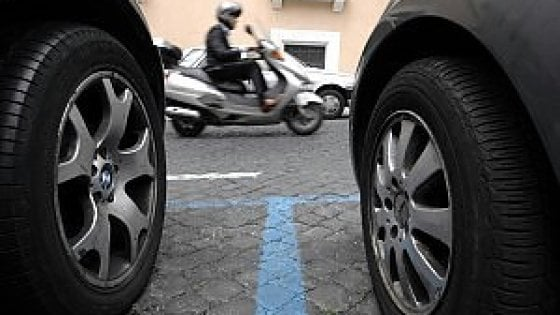 """Roma, strisce blu a pagamento anche per i residenti. Stefàno: """"Chi occupa suolo pubblico deve contribuire"""""""