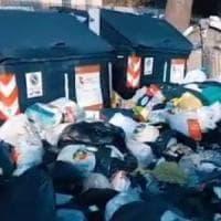 Roma, rimozione a mano per i rifiuti abbandonati. I sindacati: