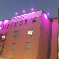 Policlinico Casilino, facciata color lilla in omaggio ai bimbi prematuri