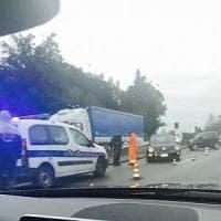 Roma, incidente sulla Pontina tra il Gra e Castel di Decima. Traffico rallentato