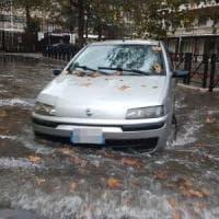 Nubifragio su Roma, strade allagate e traffico in tilt