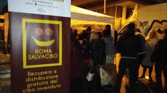 Roma, al mercato Esquilino cibo per i migranti. Il progetto solidale