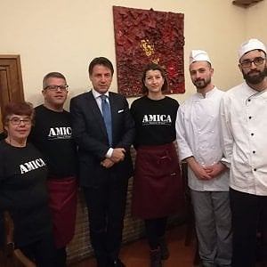 Premier Conte, pranzo a Trastevere nel ristorante dei portatori di handicap