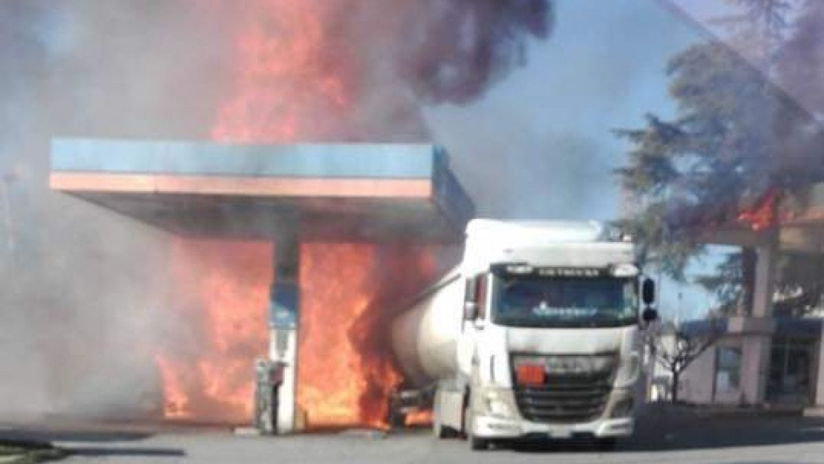 Rieti, incendio ed esplosione in un distributore di carburante: 15 feriti sulla Salaria