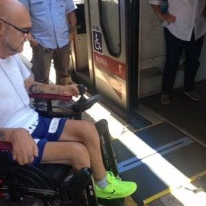 """La stazione Roma-Lido senza pedane per disabili: """"Ci sentiamo presi in giro"""""""