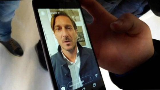 """Strage in discoteca, appello a Totti per un ragazzo ferito. Il video del campione: """"Ti aspetto a Trigoria"""""""