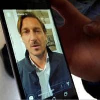 """Strage in discoteca, appello a Totti per un ragazzo ferito. Il video del campione: """"Ti..."""