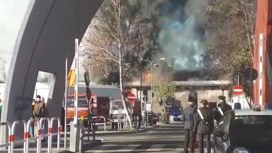 """Incendio Tmb Salario, Raggi: """"Scongiurata emergenza per"""