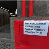 Metro A, terzo giorno di chiusura delle stazioni Barberini e Spagna. Fermata