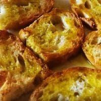 Pane caldo e olio extravergine: la sagra della Bruschetta anima il  borgo di Monteleone Sabino