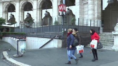 """Ztl e metro chiuse: l'ira dei commercianti """"Con lo stop delle tre fermate perso il 30%"""""""