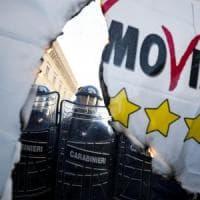 """Protesta  degli Ncc a Roma, tensioni in centro. Slogan contro governo: """"Buffoni""""...."""