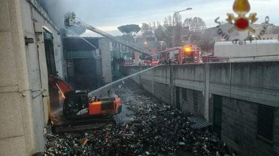 """Rifiuti di Roma, Aprilia insorge per l'accordo: """"I nostri sforzi di buona gestione vanificati dalla Capitale"""""""