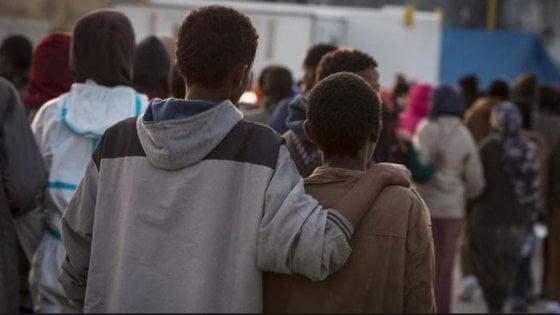 Latina, insulti e botte a due ragazzini di colore: identificati gli autori, una gang di adolescenti
