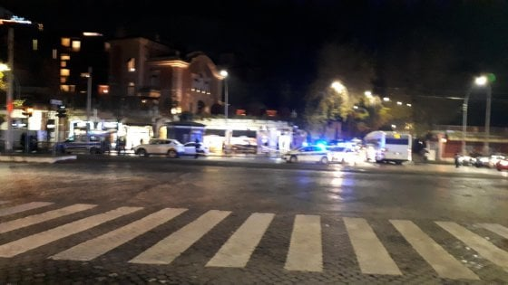 Roma, donna investita e uccisa mentre attraversa la strada