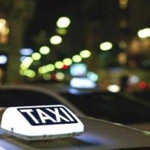 """Piazza Navona, turisti ubriachi picchiano tassista: """"Non aveva posto per tutti"""""""