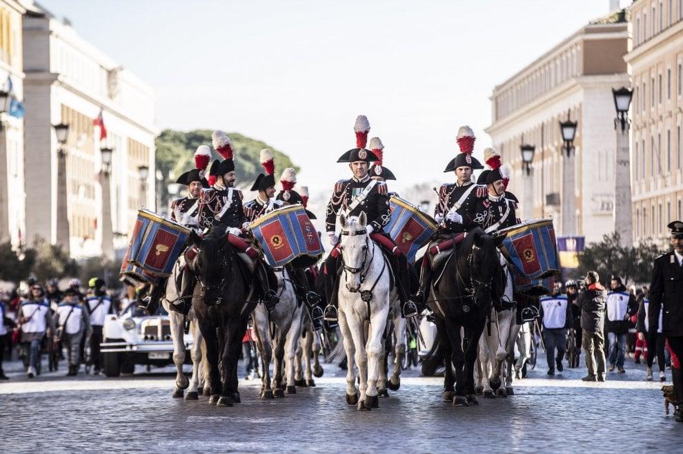Roma, la parata dell'Epifania in via della Conciliazione