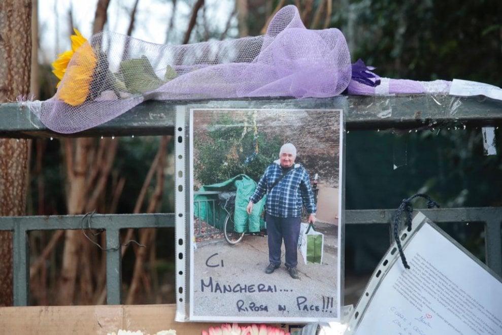 """""""Mancherai a tutto il quartiere"""": i messaggi per Nereo, il clochard investito e ucciso"""
