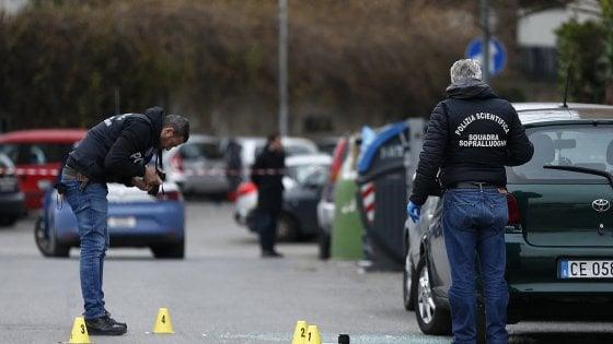 Spari a Roma davanti asilo Magliana: morto il bersaglio dell'agguato. Era stato già condannato con Tamara Pisnoli