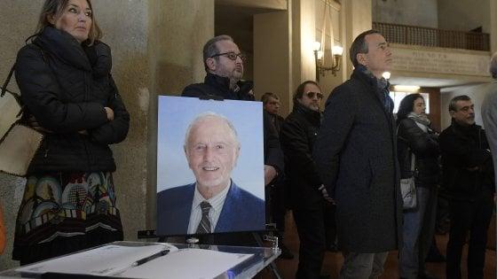 """A Roma l'ultimo saluto a Ferdinando Aiuti. Iardino: """"Grazie a lui sono diventata mamma"""""""