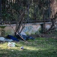 Roma, clochard trovato morto nel parco della Resistenza: è il quinto dall'inizio