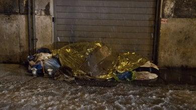 """Emergenza freddo, Raggi pensa a ordinanza con """"obbligo di ricovero"""" per i senzatetto"""
