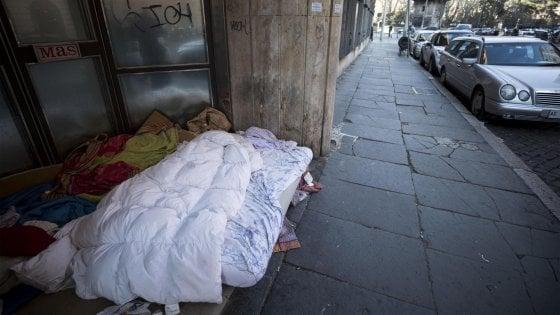 Emergenza freddo a Roma: ecco dove portare coperte e sacchi a pelo per i senzatetto
