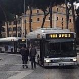 Roma, trasporto pubblico: oggi sciopero Atac per la salute degli autisti. Chiuse due metro su tre