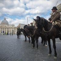 San Pietro, la benedizione agli animali per Sant'Antonio abate