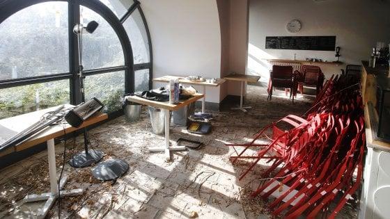 Roma, a Villa Pamphilij il Casale dei Cedrati preda dei vandali