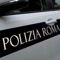 Roma, minorenne spagnola palpeggiata da un ambulante