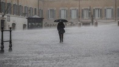 Tre giorni di pioggia battente ma sembra allontanarsi rischio neve per giovedì