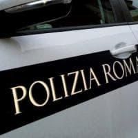 Roma, tenta di buttarsi nel Tevere ma viene salvata da polizia locale. Era