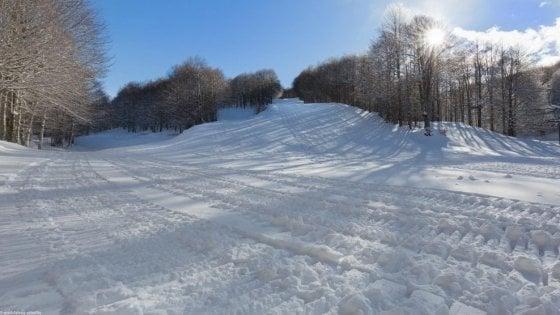 Neve, tutto pronto sulle piste di Lazio e Abruzzo. Dal Terminillo a Ovindoli impianti aperti