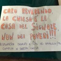 Roma, biglietto di minacce al prete che aiuta i poveri: