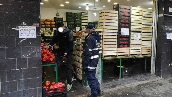Roma, sequestrato negozio di frutta e verdura a Monteverde: condizioni igieniche precarie