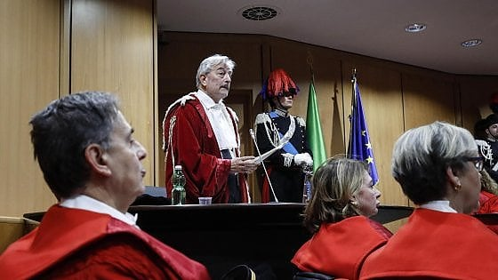 """Roma, il Pg Salvi: """"Migranti, non serve solo repressione"""". Il procuratore capo Pignatone: """"Corruzione, sempre il male di Roma"""""""