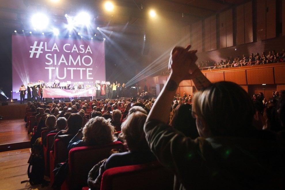 Auditorium, applausi e solidarietà per la Casa delle Donne