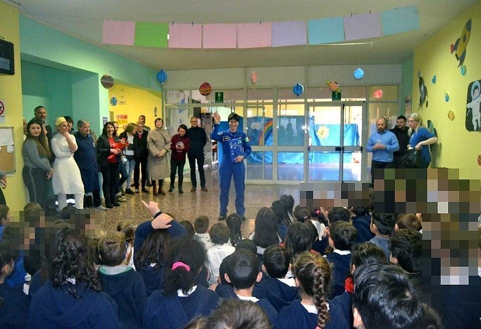 Roma, Astrosamantha a scuola: l'universo spiegato ai bambini