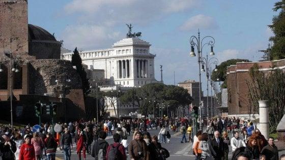 Smog a Roma, oggi la domenica a piedi: 123 multe su mille verifiche