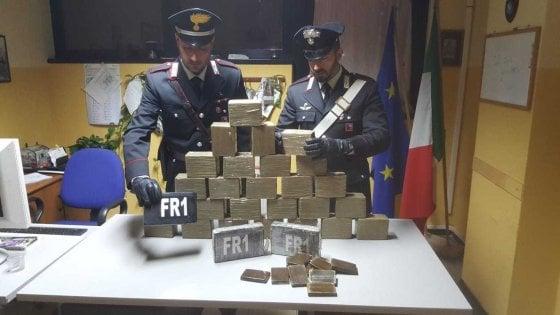 Roma, controlli antidroga a Tor Bella Monaca: 5 arresti c'è anche un disabile