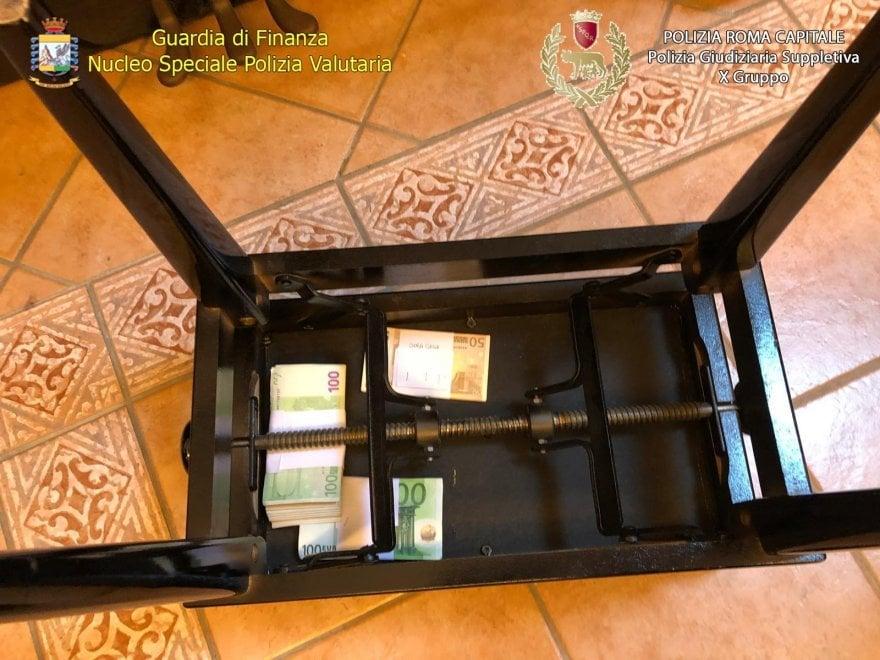 Tredicine, sotto i tavoli, nel pianoforte: ecco dove nascondevano i soldi
