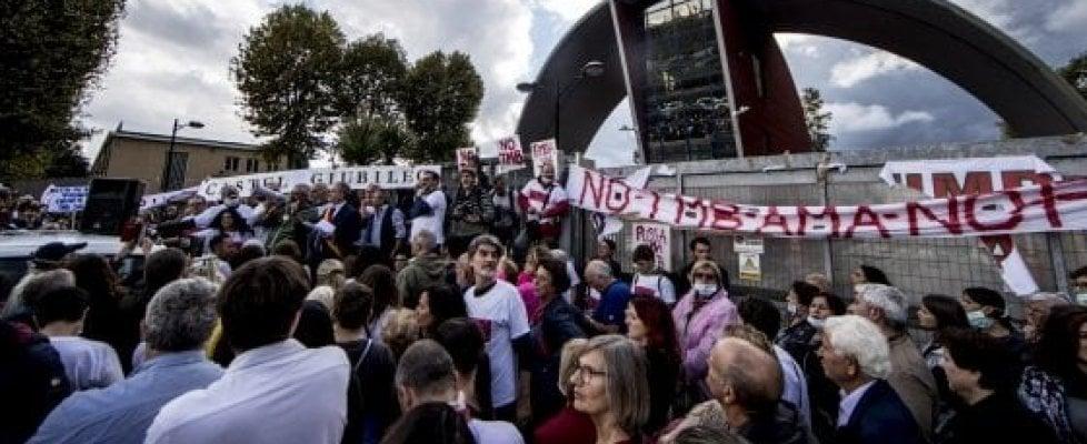 """Roma, torna la protesta al Tmb Salario:""""Mai più rifiuti"""""""
