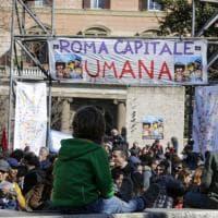 """Roma Capitale umana: centinaia in piazza: """"Dove c'è umanità non c'è illegalità"""""""