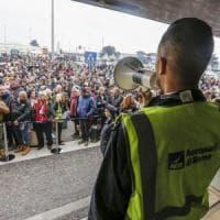 Roma, principio di incendio nell'aeroporto di Ciampino: passeggeri evacuati.